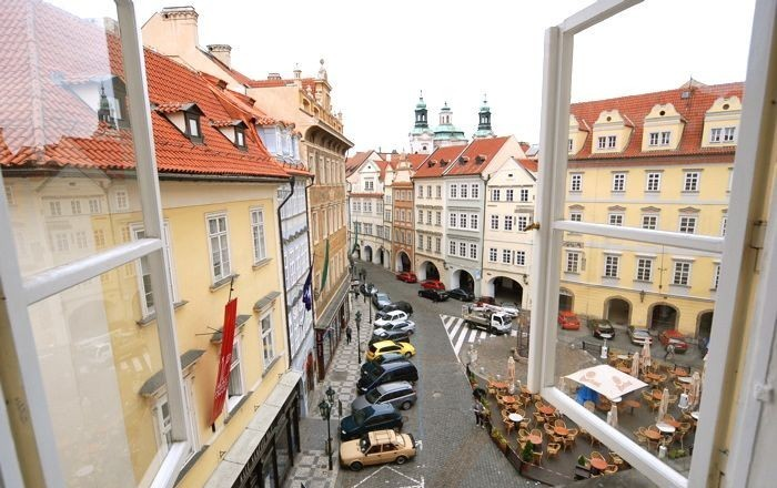 u-kapra-prague-apartments-street-view